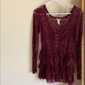 BETHANY MOTA burgundy ruffle lace top SIZE: S